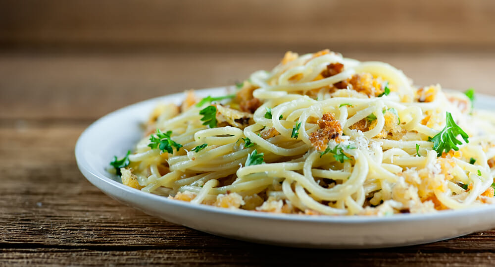 how to make pasta with bread crumb wine sauce