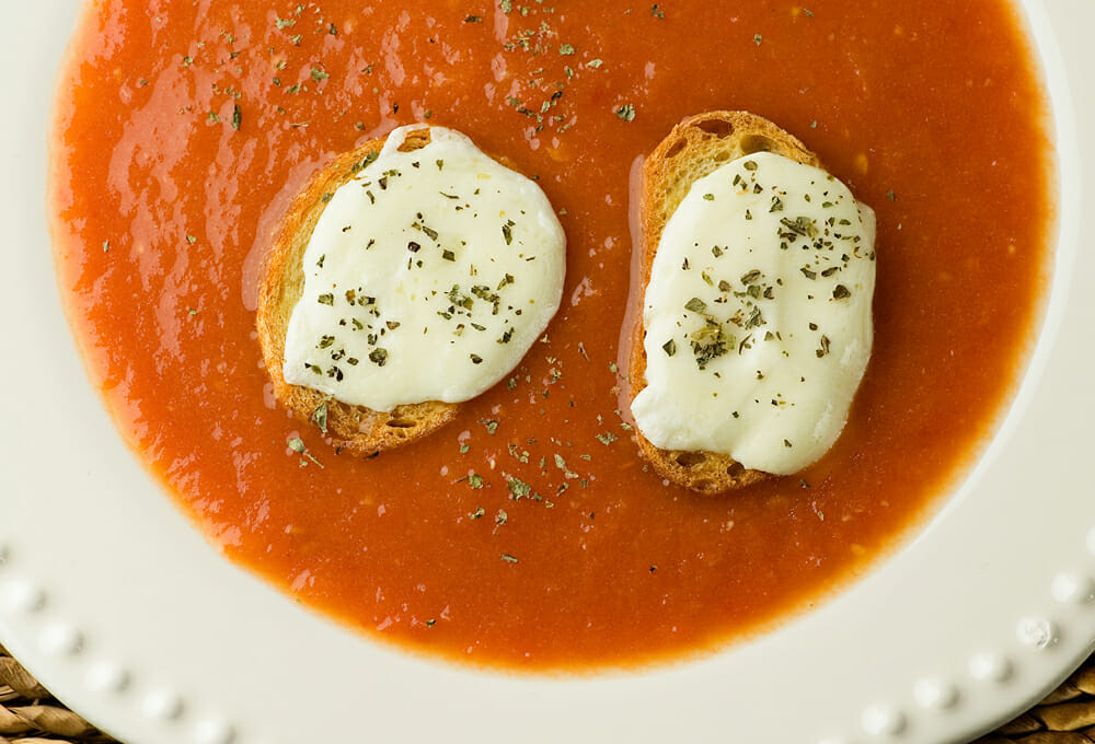 easy tomato soup with mozzarella croutons
