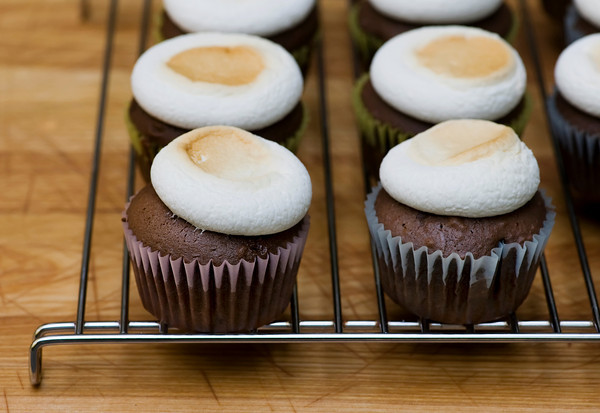 marshmallow cupcake frosting