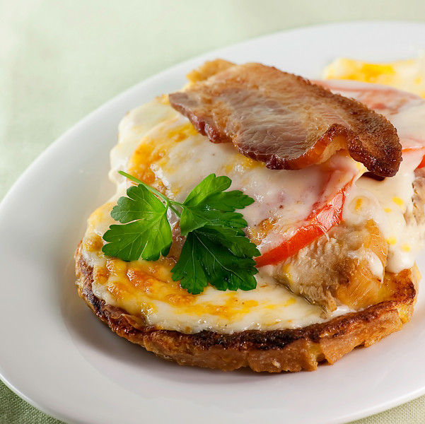 Kentucky Hot Brown! - Framed Cooks