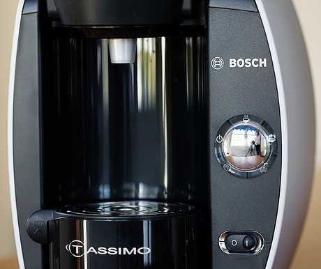 Last Minute Christmas Gift: Tassimo Hot Beverage System!