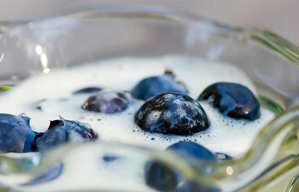 Blueberries with Vanilla Cream