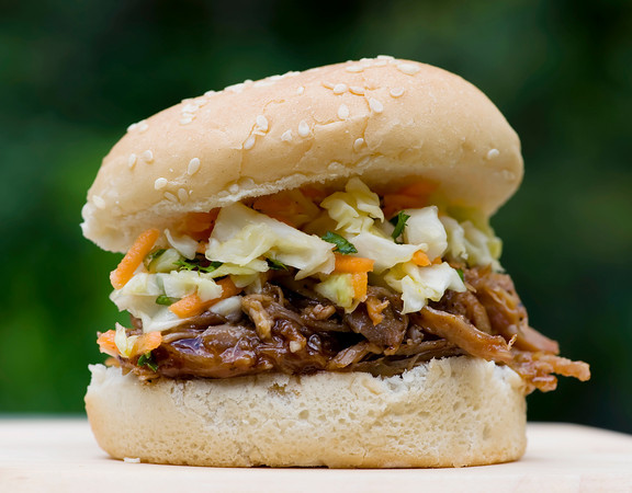 slow cooker pulled pork barbecue sandwiches