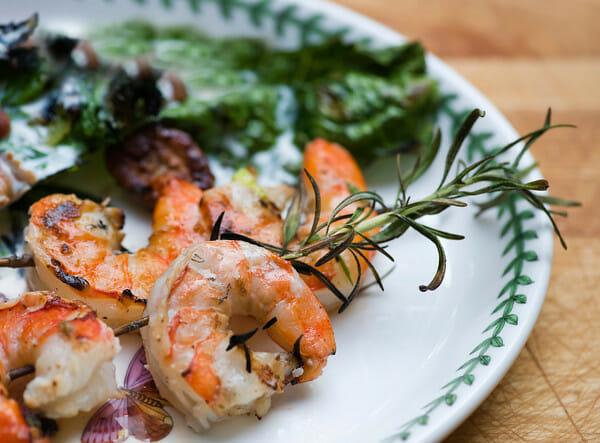 how to make shrimp rosemary skewers
