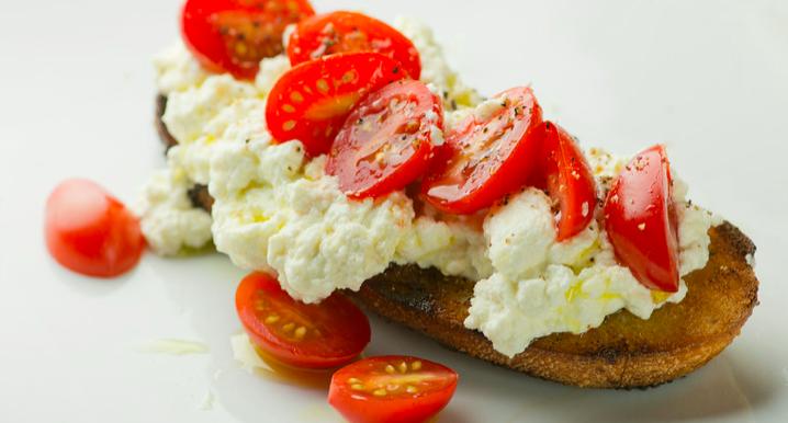 Ricotta Tomato Toasts