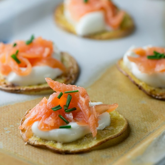 Smoked salmon potato bites. #ontheblog now!