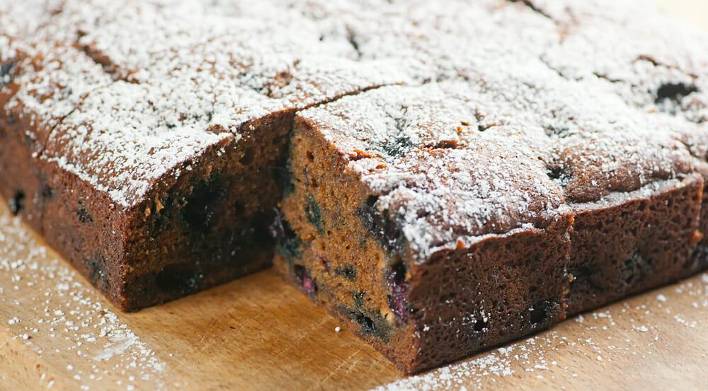 blueberry molasses cake