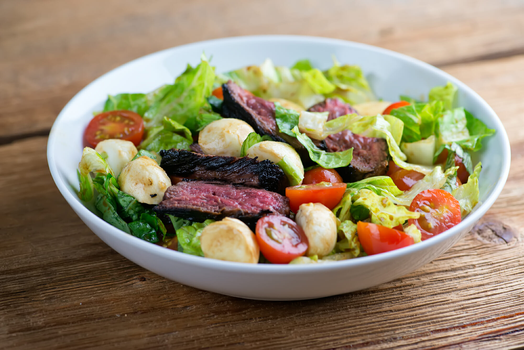 how to make caprese steak salad