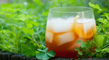 spiced tea cocktail