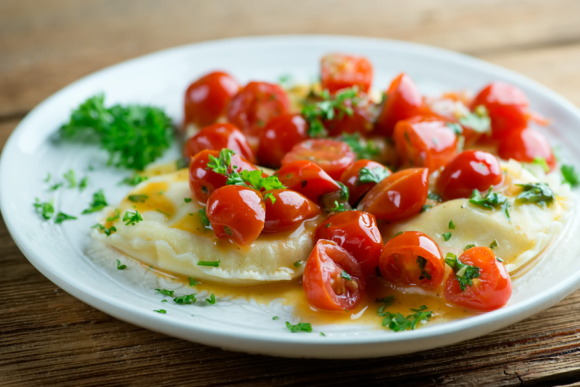 how to make white wine tomato sauce for ravioli