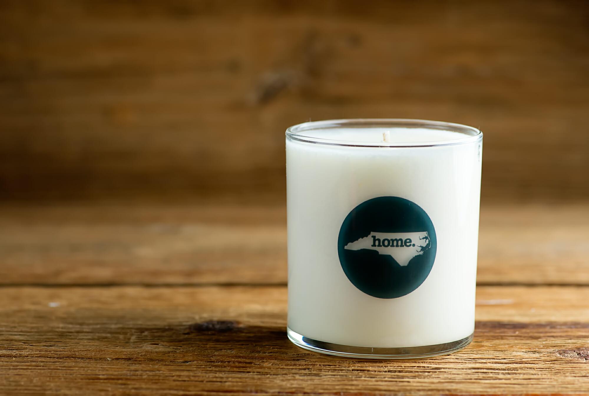 candle with North Carolina image