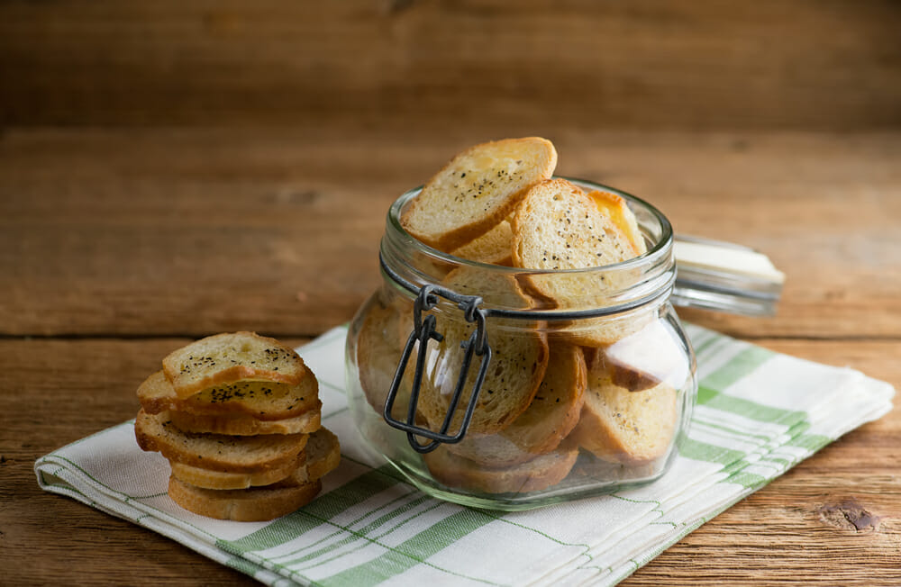 easy salt and pepper crackers