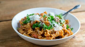 Easy Instant Pot Pasta Bolognese