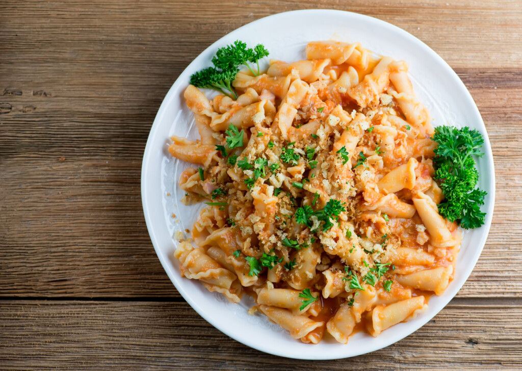pasta with buttered tomato clam sauce