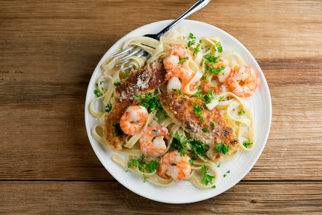creamy pan fried chicken and shrimp pasta