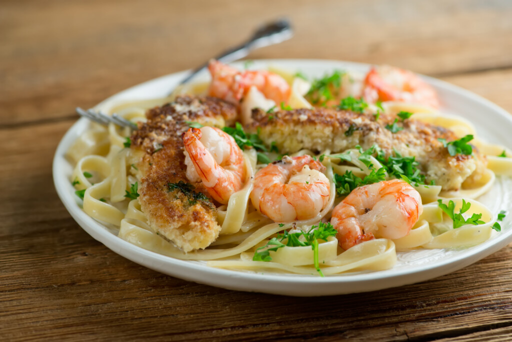 creamy pan-fried chicken and shrimp pasta