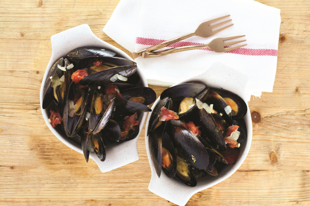 Instant Pot Mussels with Tomatoes and Herbs