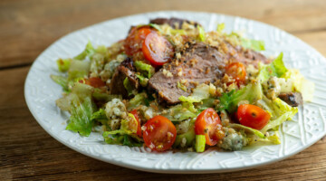 easy coffee rubbed steak and blue cheese salad