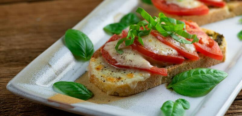 easy Vermont cheddar caprese sandwich