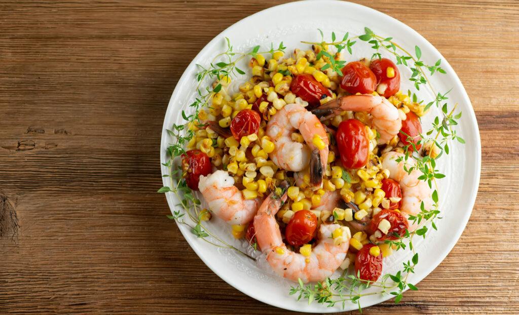 charred corn and tomato shrimp salad