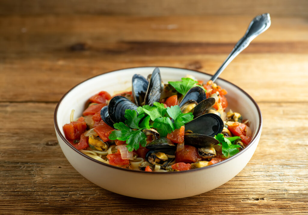 Weeknight Mussels Marinara Pasta