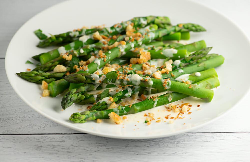 asparagus with parmesan breadcrumb sauce