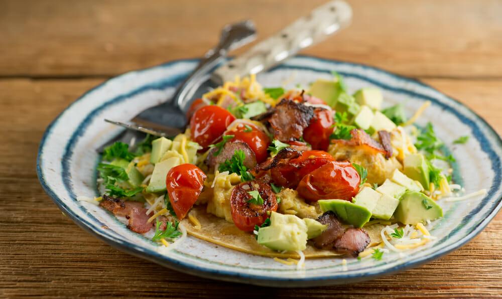 easy cheesy bacon and egg tacos