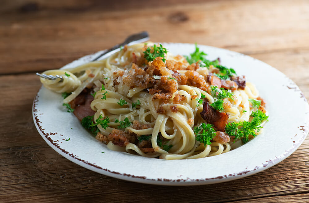 linguine with bacon bread crumb sauce
