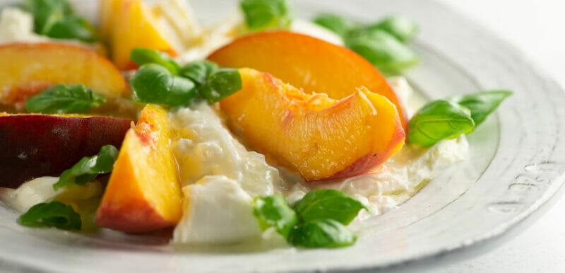 easy peach mozzarella salad