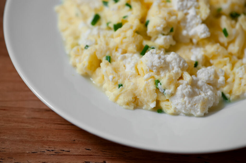 soft scrambled eggs with ricotta