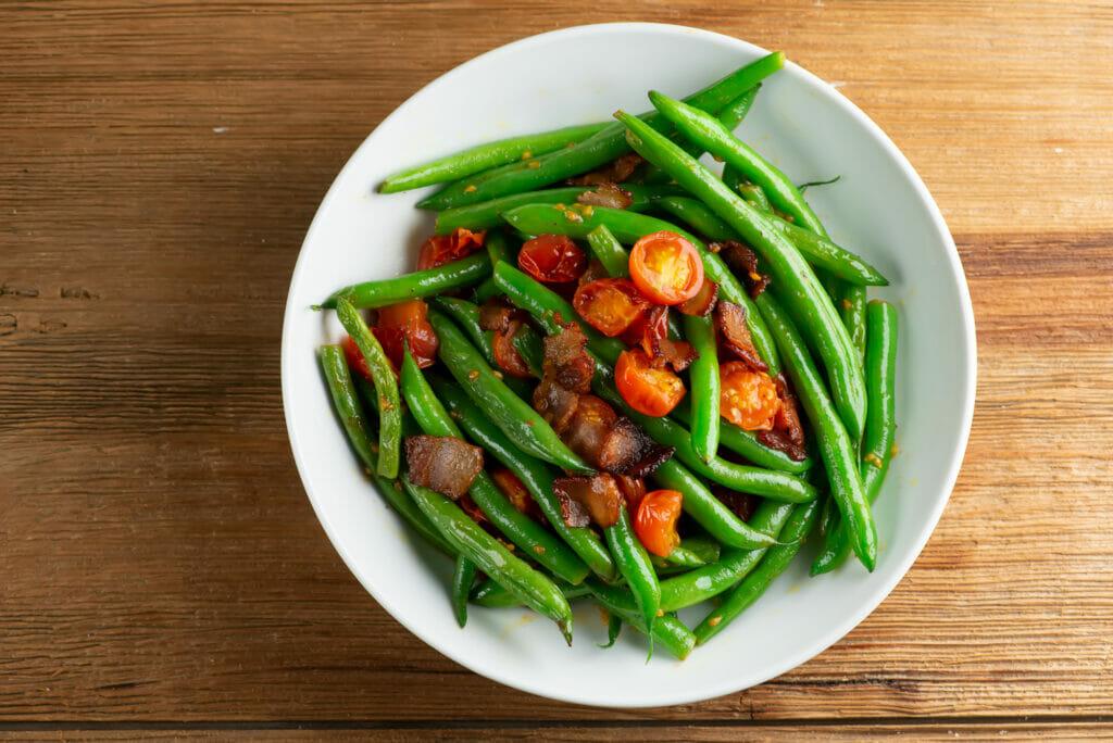 easy tomato bacon green beans